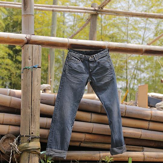 竹炭染めジーンズイメージ