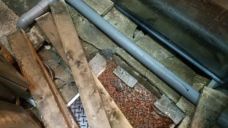厨房のコンクリート床 陥没補修