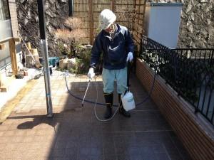 浸透型の防水材を散布
